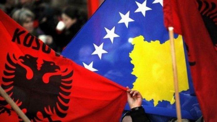 """Skandal me tekstet shkollore: """"Kosova ende s'e ka shpallur pavarësinë!"""""""