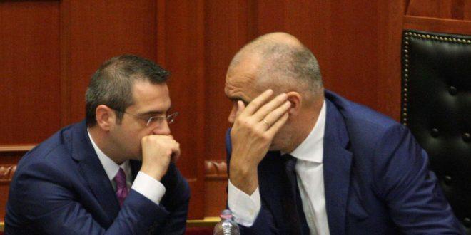 Mesazhet e koduara tre ditore të ish-ministrit Tahiri për Edi Ramën