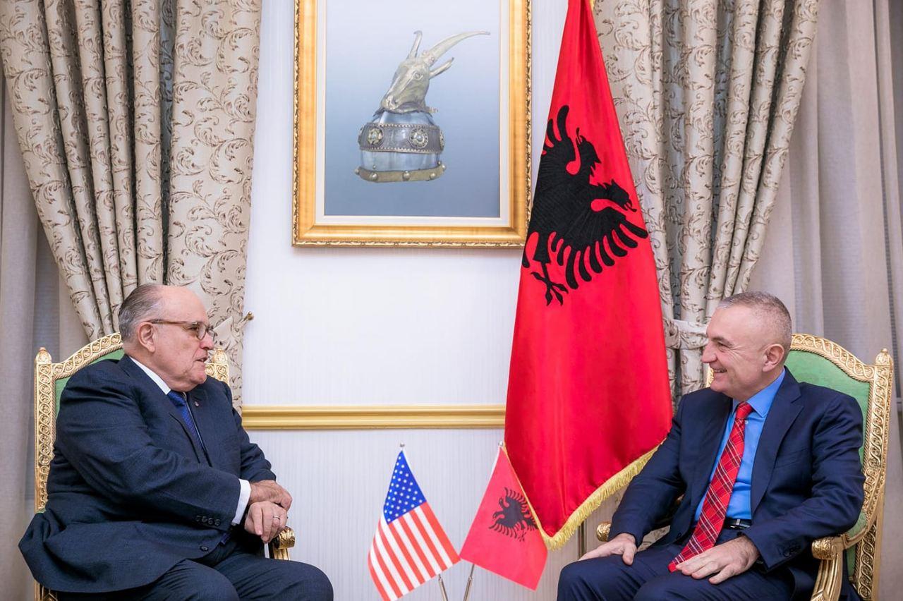 Presidenti takon ish kryebashkiakun e Nju Jorkut  Rudy Giuliani