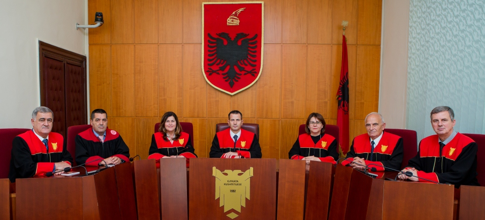 Shqipëria pa Gjykatë Kushtetuese, lojë dinake e kryeministrit Edi Rama