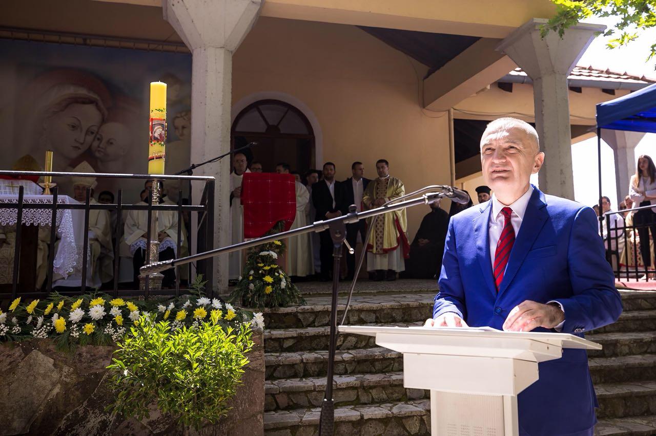 Presidenti Ilir Meta merr pjesë në Festën e Zojës së Këshillit të Mirë në Shkodër