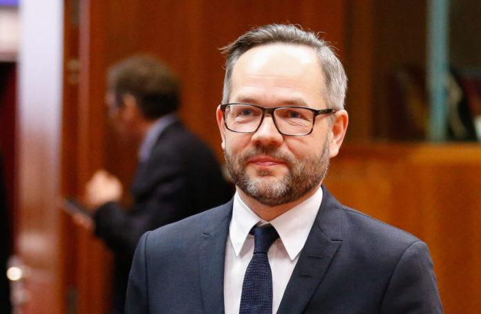 Ministri gjerman për Evropën,Roth: Arrestoni ish-ministrin Tahiri dhe hajdeni në BE