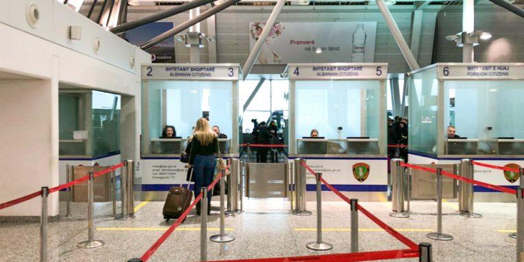 Boom turistësh në Rinas  shtohen masat  Toska  Nuk ka azil