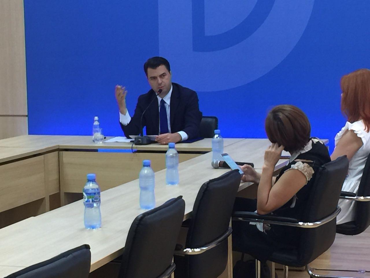 Basha kërcënon: Do t'u vëmë minat kullave te Teatri Kombëtar