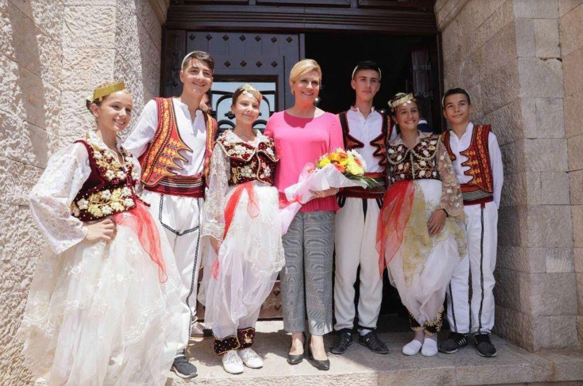Presidentja kroate në Krujë: Lidhjet mes Kroacisë dhe Shqipërisë janë historike