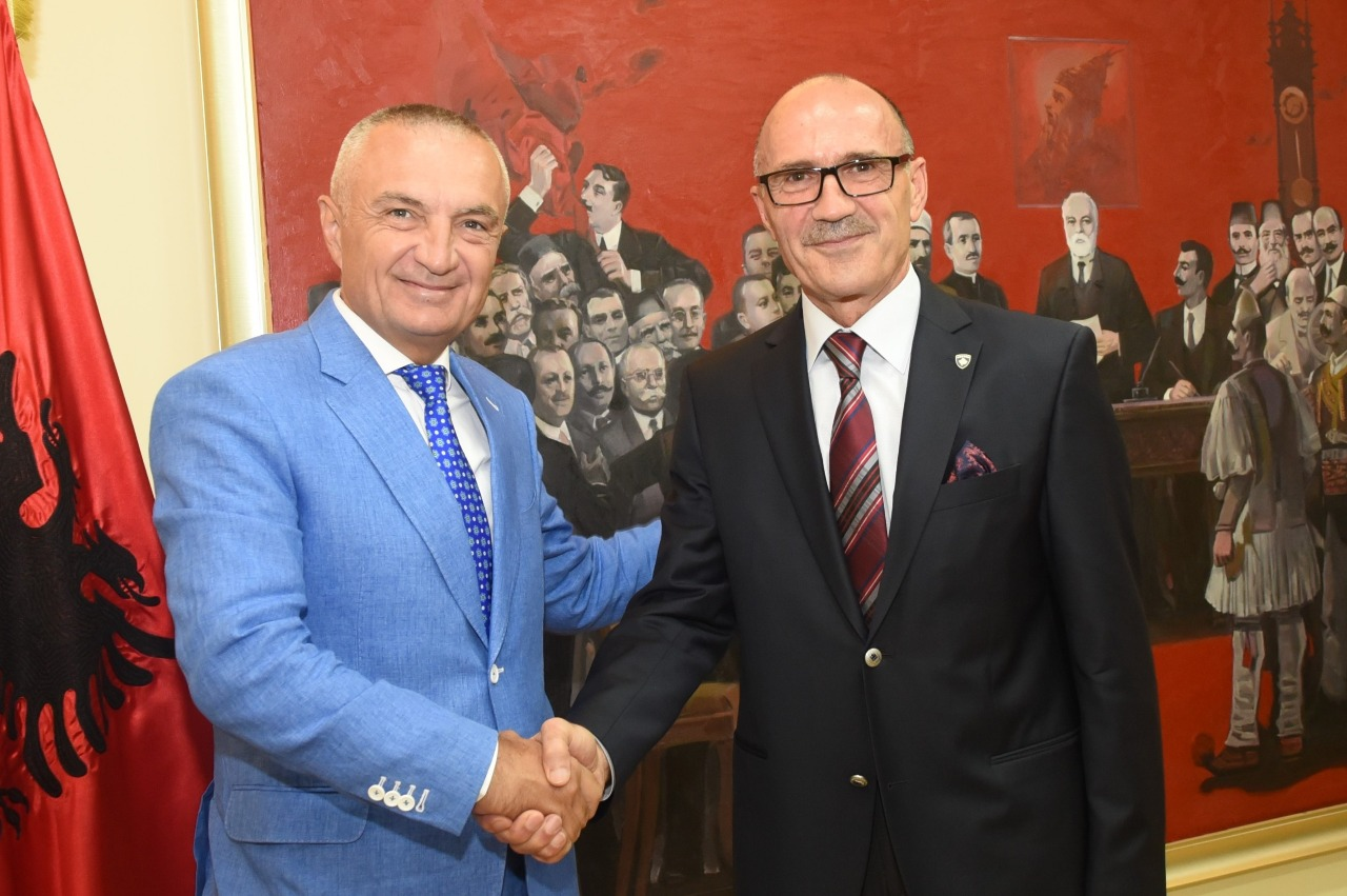 Presidenti Meta: Bashkëpunim me Kosovën për emergjencat civile