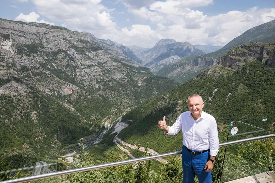 Pushimet e gushtit/Meta në aventurat e bjeshkëve shqiptare, Rama në det
