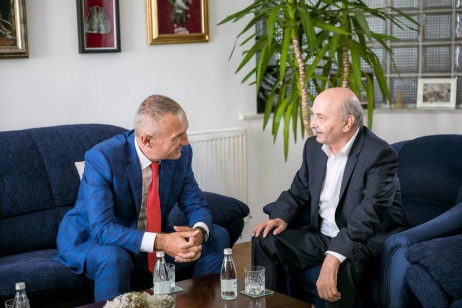 Isa Mustafa takim me Presidentin Meta: Ideja e ndryshimit të kufijve është e rrezikshme