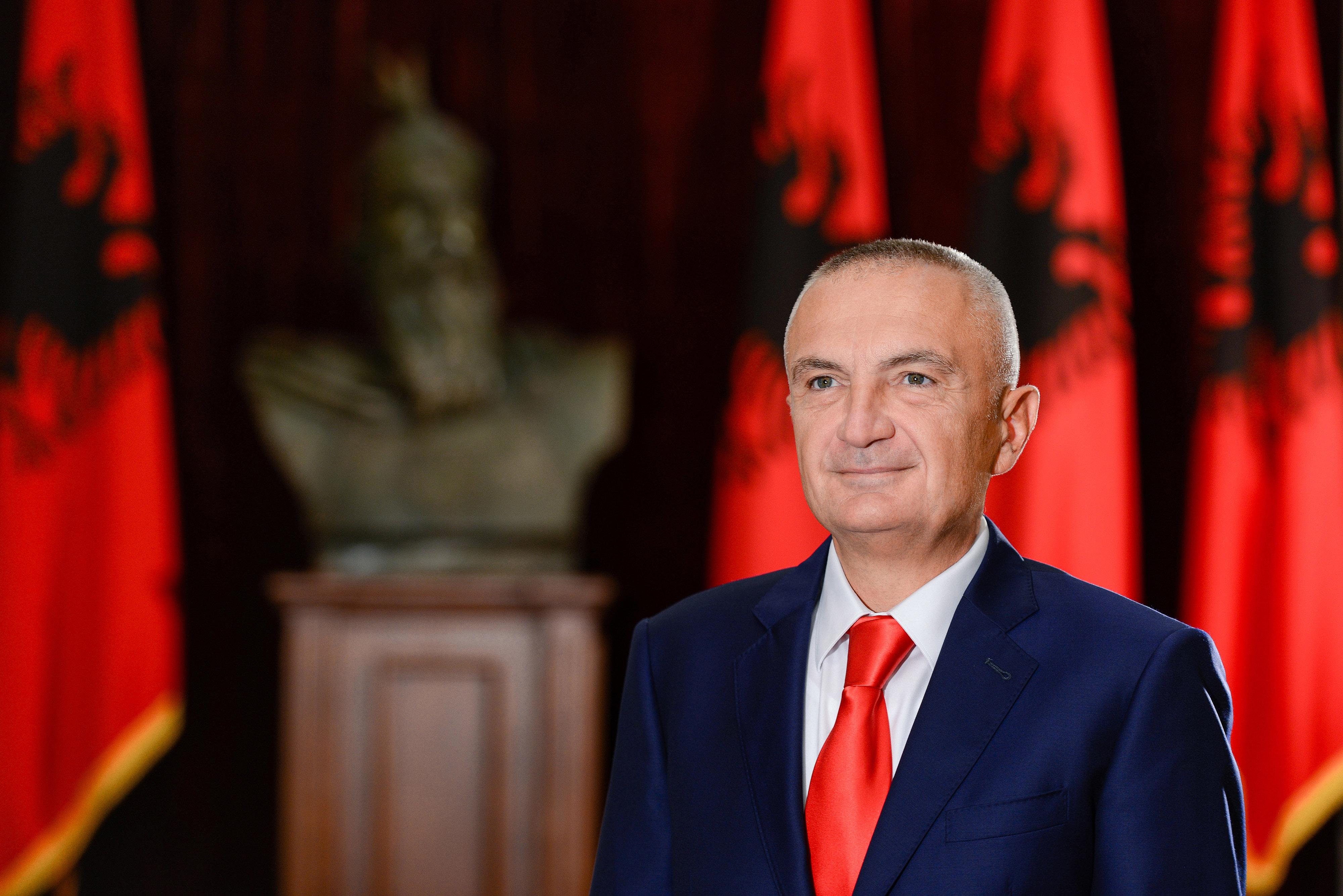 Presidenti Ilir Meta: Kur një politikan akuzohet duhet të përballet, jo të ikë