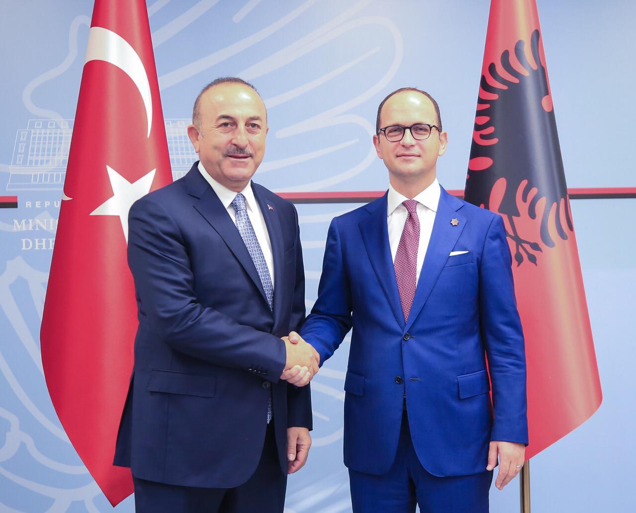 Bushati i mbyll derën Turqisë për FETO-n, kujton Rilindasit
