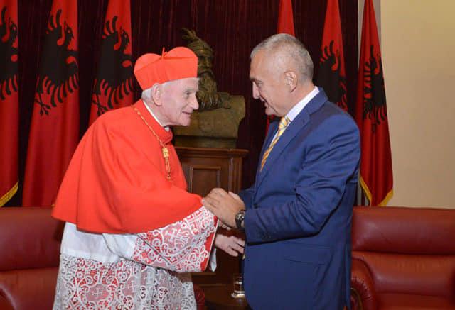 Presidenti Meta urim për 90 vjetorin e lindjes së Kardinal Ernest Simoni Troshanit