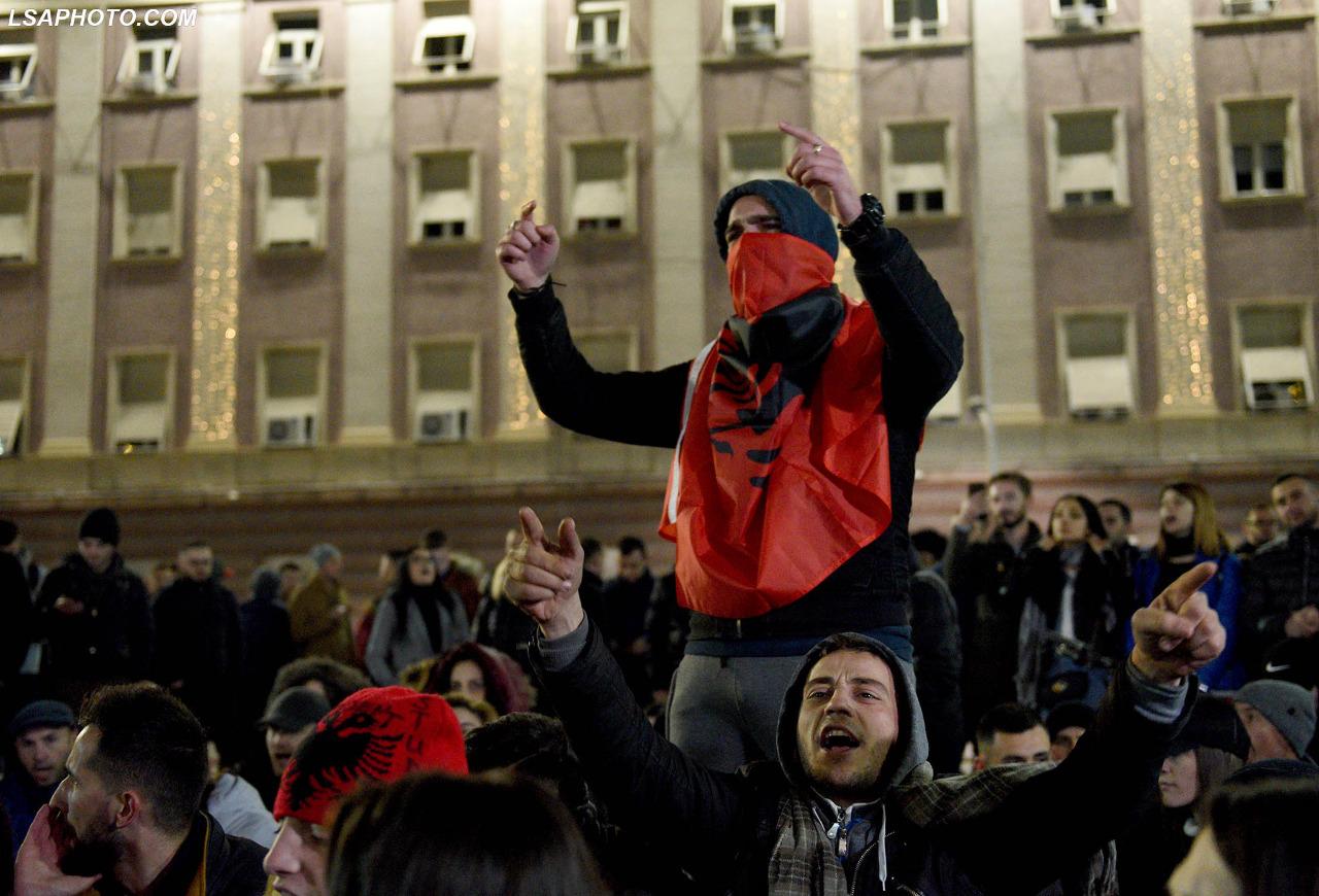 Studentët: Nesër ora 10.00 para parlamentit; studentë, gjimnazistë dhe qytetarë!