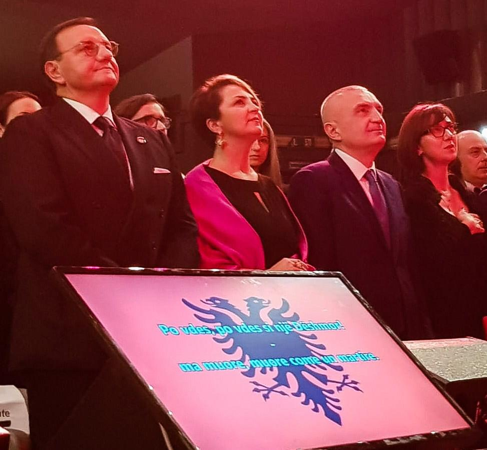 """Presidenti Meta vlerësohet me çmimin """"Politikani ndërkombëtar i vitit 2018"""""""