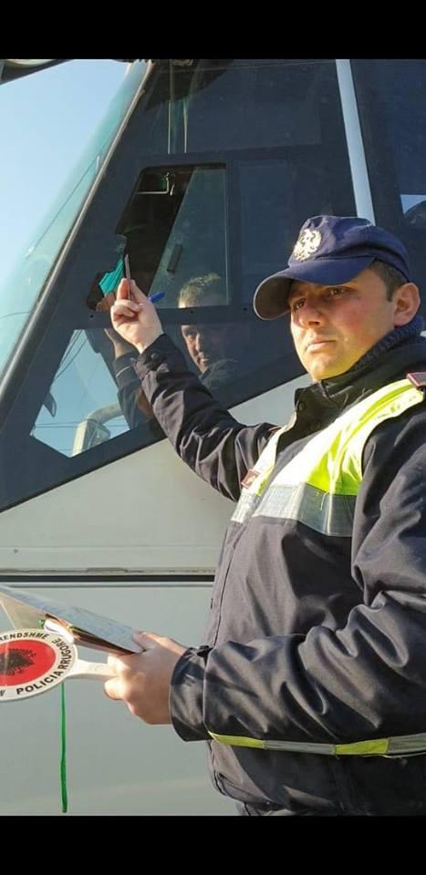 """""""Policia ushtron presion"""", deputetja: Qeveria e """"vdekur"""" nuk ndal dot revoltën"""