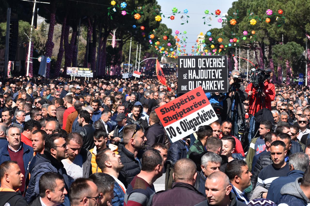 Kryemadhi: Protesta më e madhe e pluralizmit, mirënjohje pa fund për mijëra qytetarë