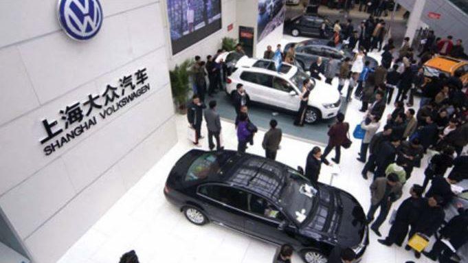 shfaqja-e-makinave-ne-shangai-prodhuesit-nderkombetar-synojne-rritjen-e-investimeve