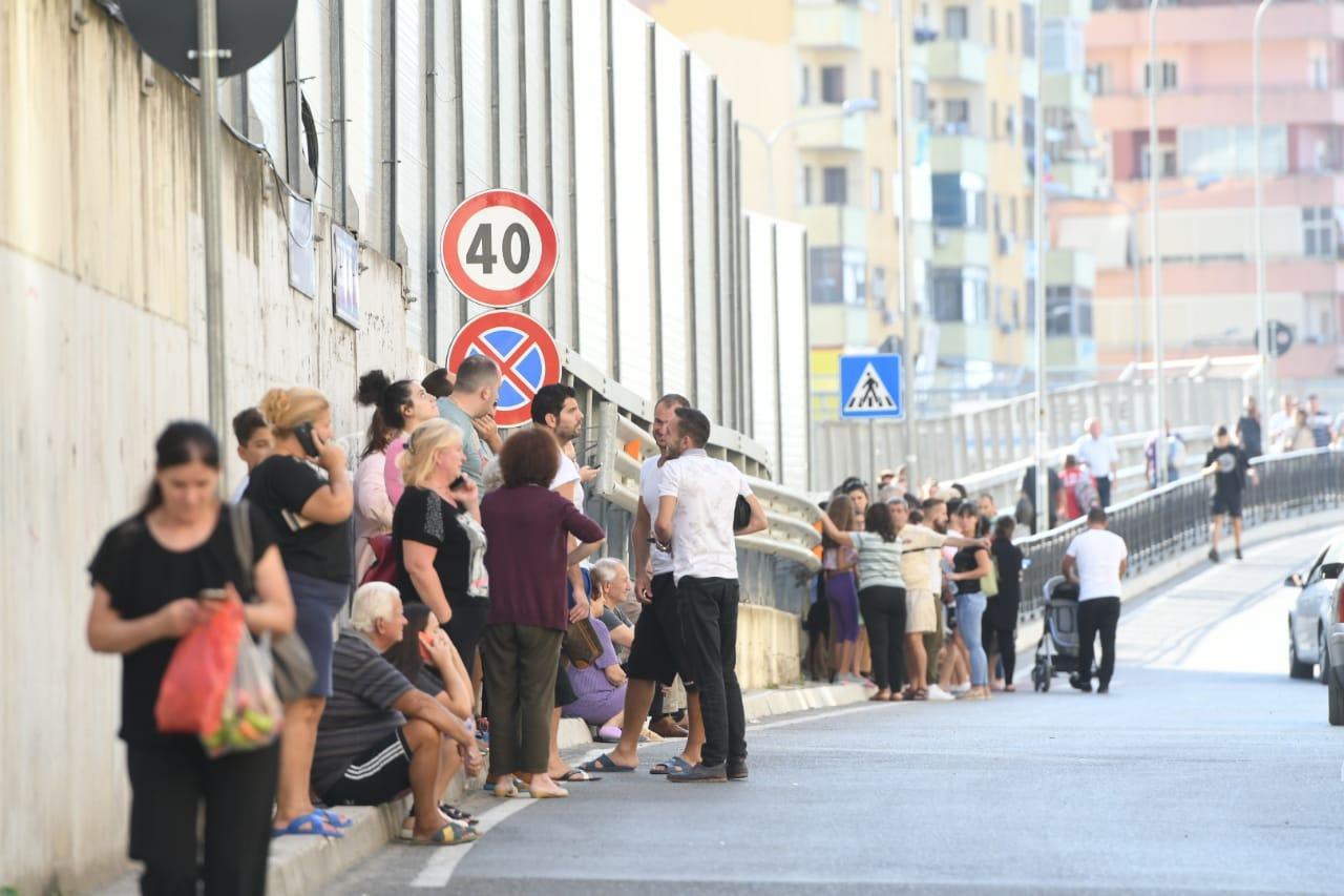 Tërmet, panik dhe kaos dje në Shqipëri. Lëkundjet vazhdojnë Durrës-Tiranë