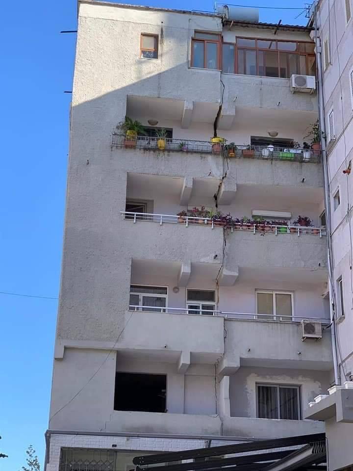 Dëmet nga tërmeti;130 shtëpi dhe 7 pallate të dëmtuar, 105 persona të plagosur (FOTO/VIDEO)