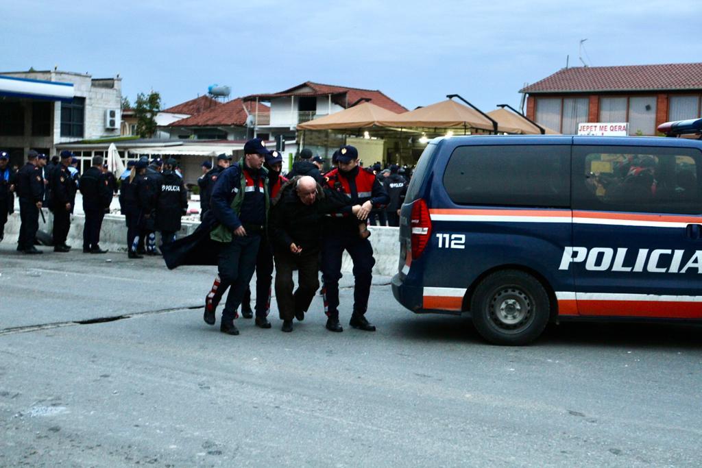 Dhuna e policisë te Unaza e Re  dalin pamjet e rënda të banorëve të plagosur