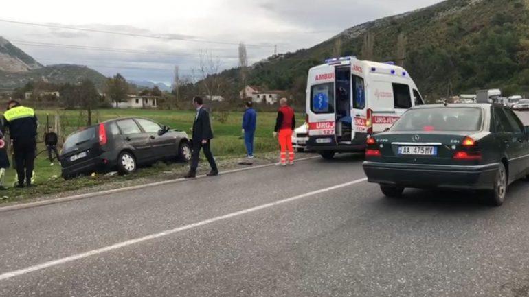 Aksident në Elbasan  dy të plagosur  20 vjeçarja në gjendje të rëndë
