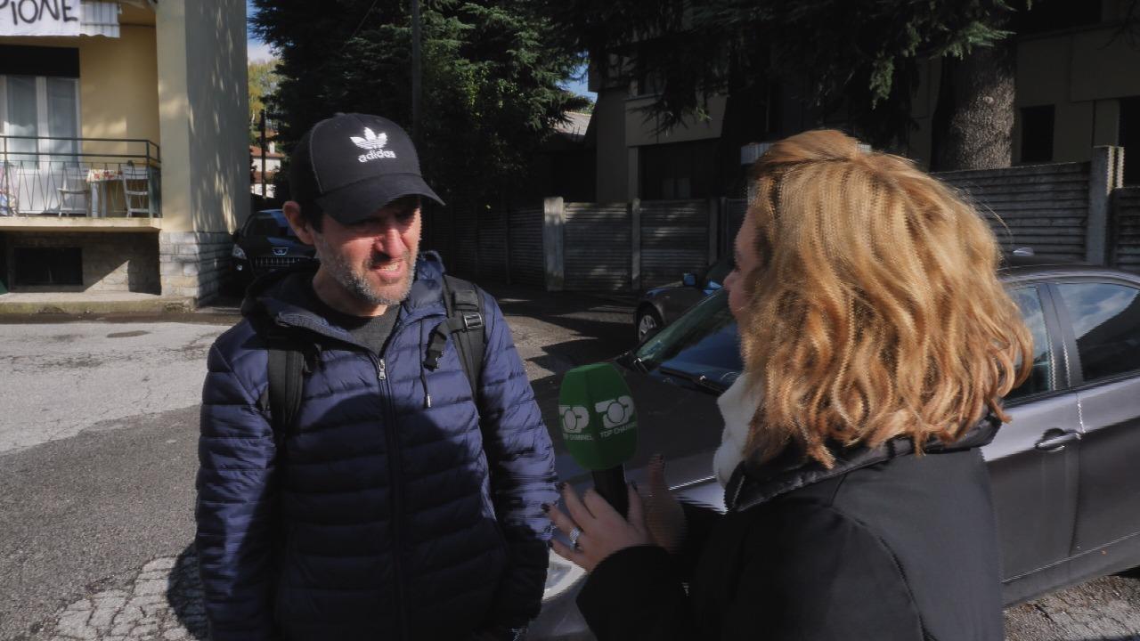 I putha faqet   Gazetari Taulant Kopliku përlotet sërish kur flet për Alvin